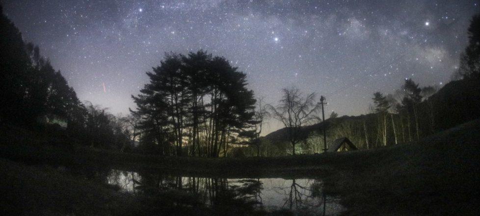 キャンプ場と星空